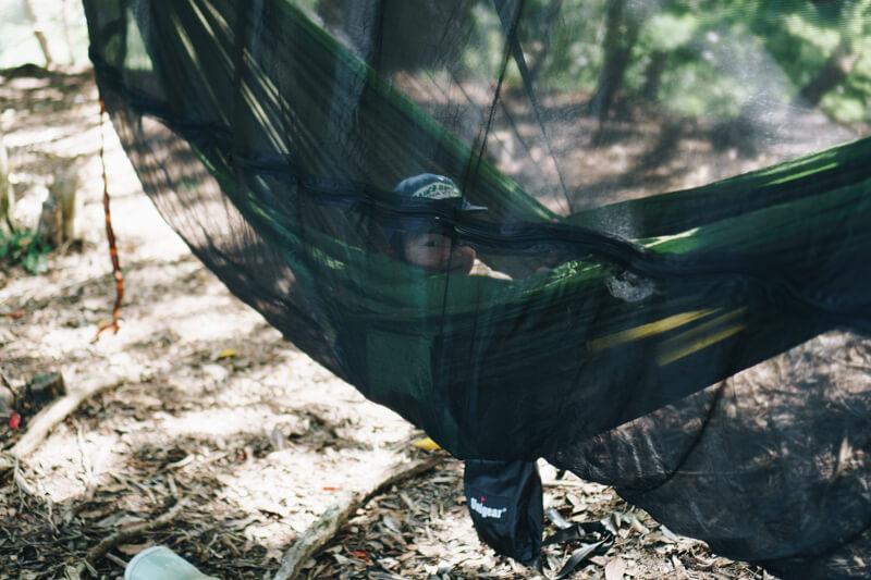 ハンモック用の蚊帳の張り方