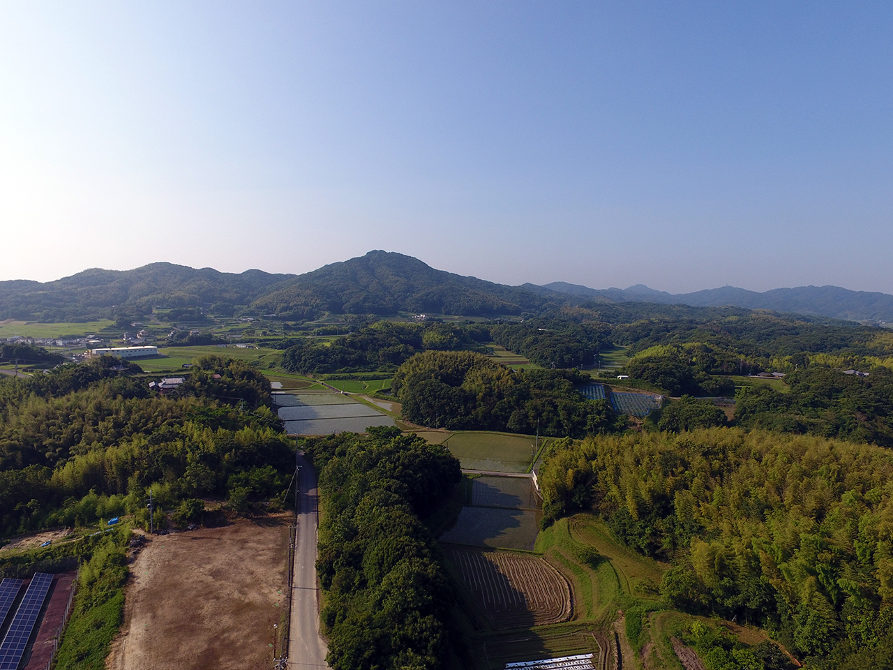 稲作ワークショップレポート。天候に恵まれた田植え作業。