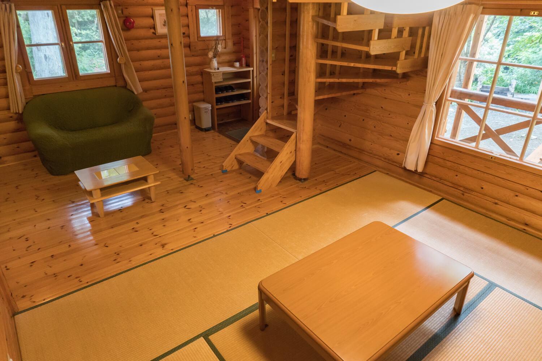淡路島の貸別荘コテージのリビングルーム