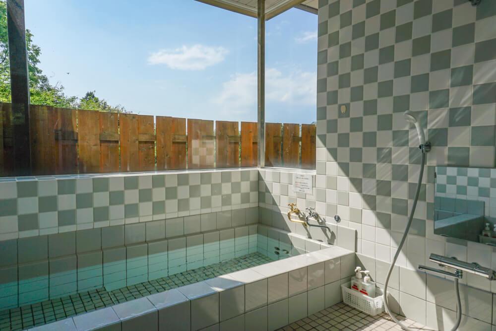 淡路島で一棟貸しできる宿泊施設のお風呂