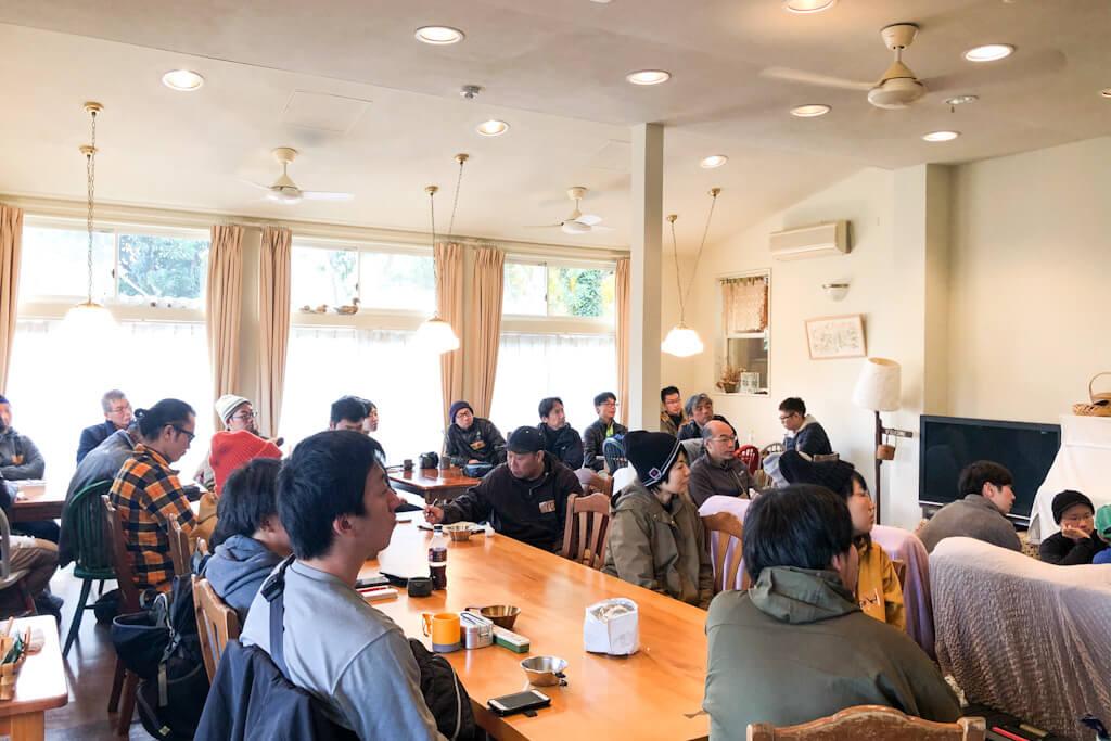 ブッシュクラフト講座の朝食会場